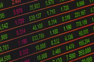 Køb aktier på eToro - 3 fordele